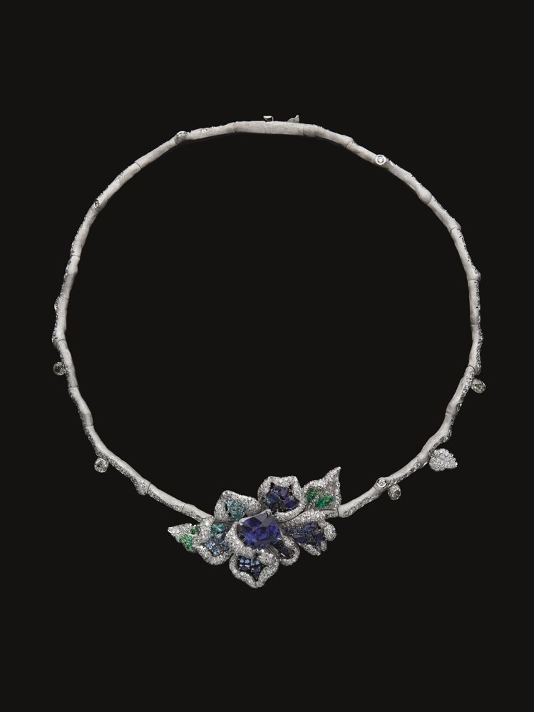RoseDior Bleu Outremer藍寶石鑽石項鍊,4,100萬元。圖/...