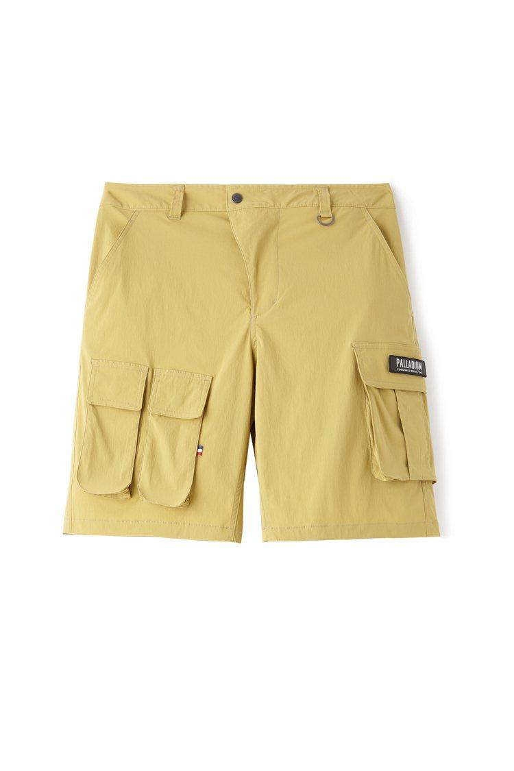 Palladium沙漠色軍裝短褲2,490元。圖/Palladium提供