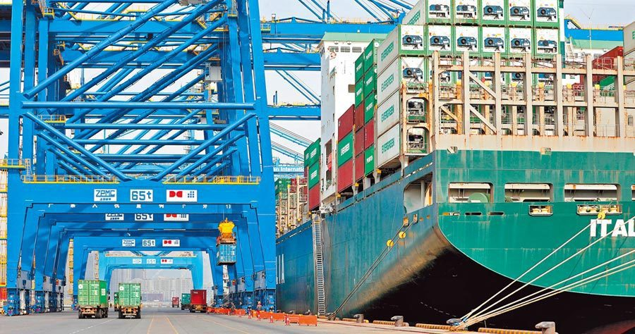 福建省第一季對台灣進出口增長34.9%。新華社資料照片