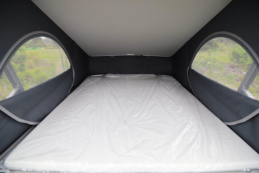 福斯商旅T6.1 California Ocean車頂帳篷能營造1,200mmX...