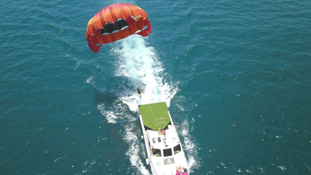 乘著舒適的海風逆風飛翔、享受翱翔天際的快感。 KLOOK /提供