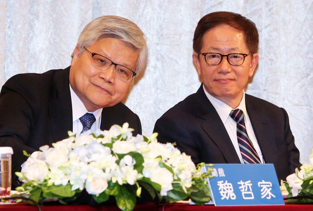 台積電董事長劉德音(右)與總裁魏哲家(左)。 圖/報系資料照