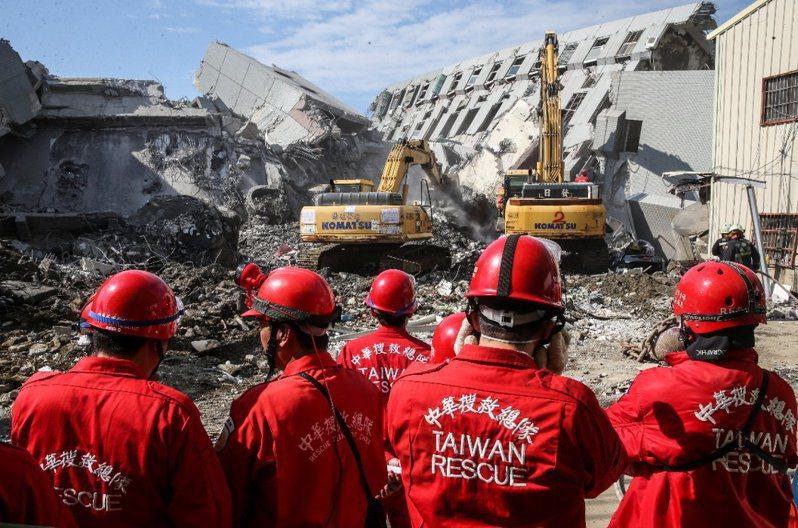 2016年0206南台大震造成台南百餘人死亡。 本報資料照片