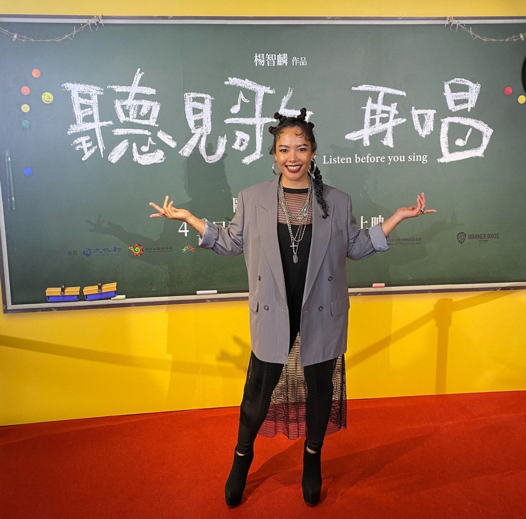 Saya張惠春日前來台北出席「聽見歌 再唱」首映會,她目前單身,專心照顧一對兒女