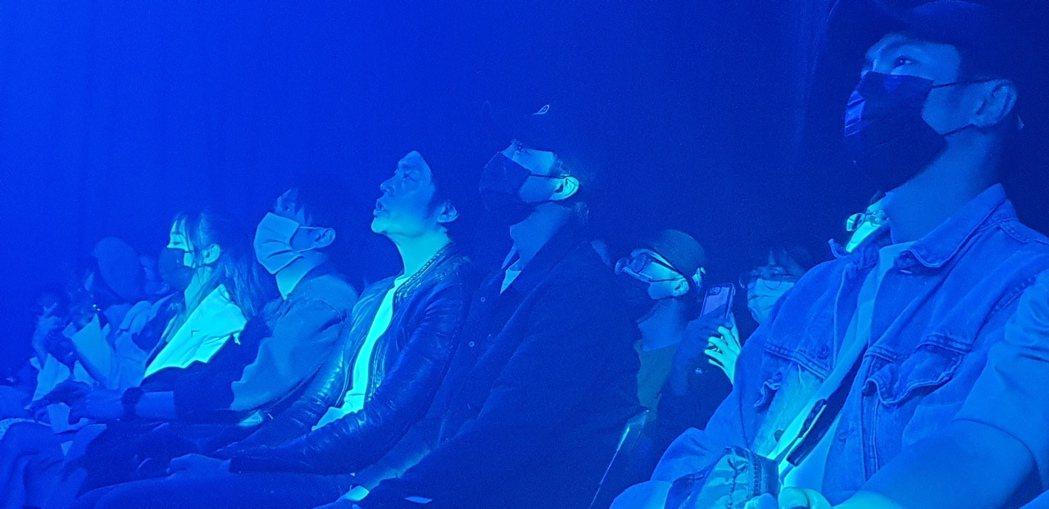 江宏傑跟姚元浩、陳漢典坐在第一排。記者李姿瑩/攝影