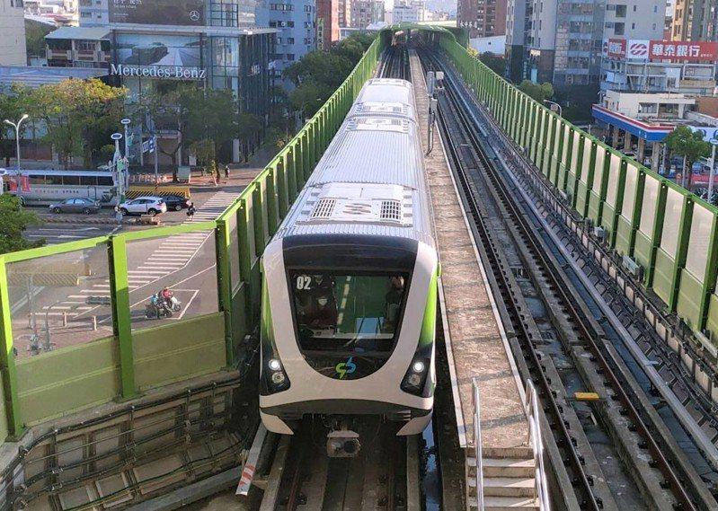 中捷綠線25日正式通車,台中市觀旅局推出「捷運觀光地圖」,搭捷運轉乘公車暢遊台中。圖/台中市新聞局提供