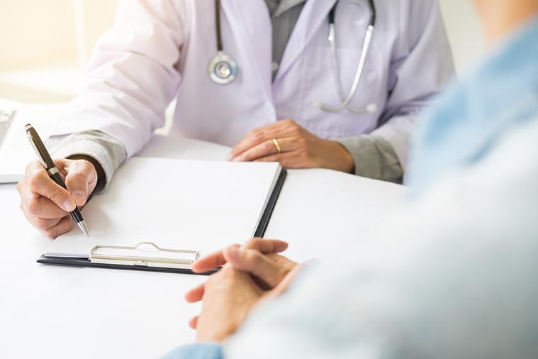 醫師如果能夠與病人討論病情,病人會因有參與感,增加治療的信任度。而且會因受到鼓舞...