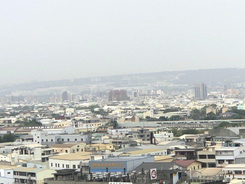 台中市目前空氣品質全區都是「普通」。記者陳秋雲/攝影