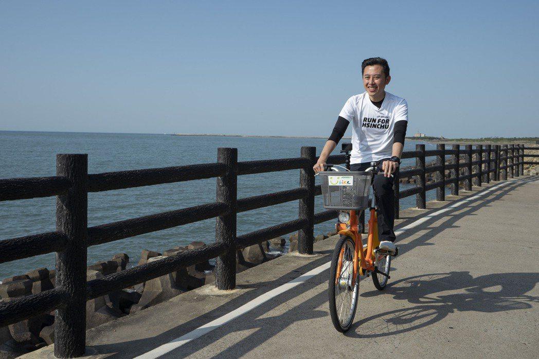 新竹市府陸續針對17公里海岸自行車道進行整修,並針對沿線6座橋梁體檢,近期已全數...