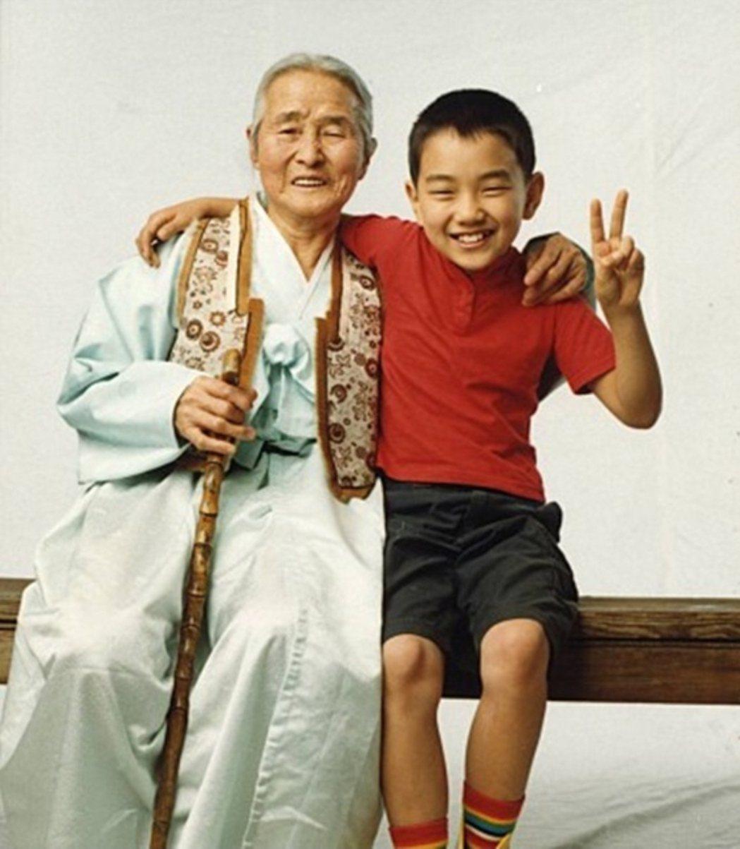 金亦芬當年與俞承豪飾演祖孫。圖/摘自naver