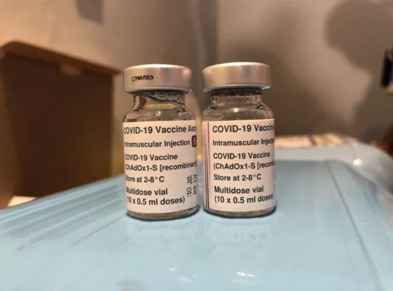 高雄市立民生醫院傳辦比賽催接種AZ,院方澄清是獎勵機制,與考績無涉。本報資料照片