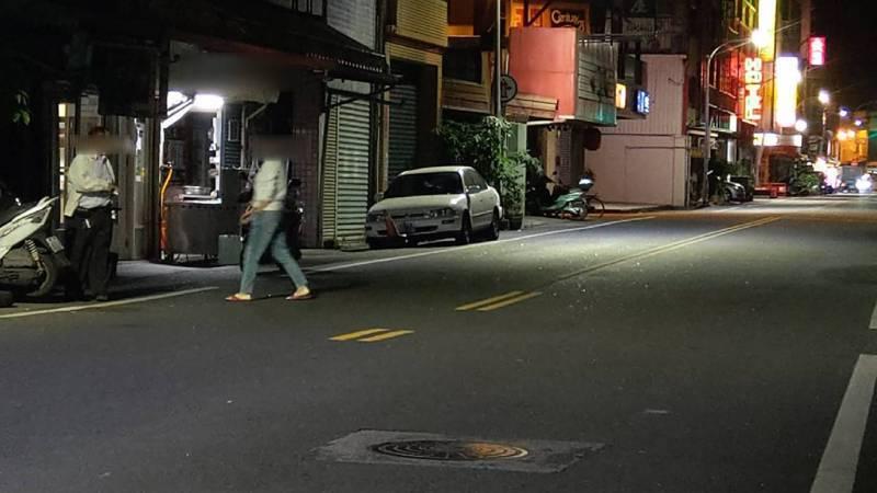 地牛翻身!淺層地震宜蘭四級「好搖」,民眾奪門而出。 記者戴永華/攝影