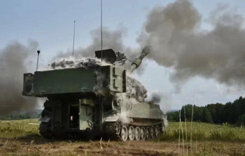 美將公布售我M109A6自走砲,屬於陸軍聯兵旅級的砲兵裝備。圖/美國陸軍官網 洪哲政