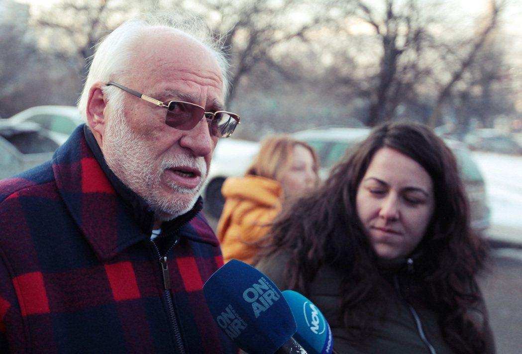 圖為捷布雷夫在保加利亞接受訪問。在與英方低調比對之後,確認「捷布雷夫也是遭到諾維...