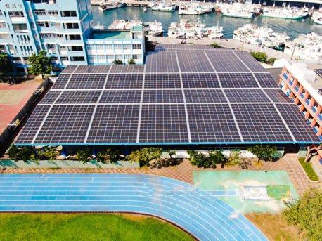 裕電能源打造全台第一座「陽光球場」 進軍綠能校園