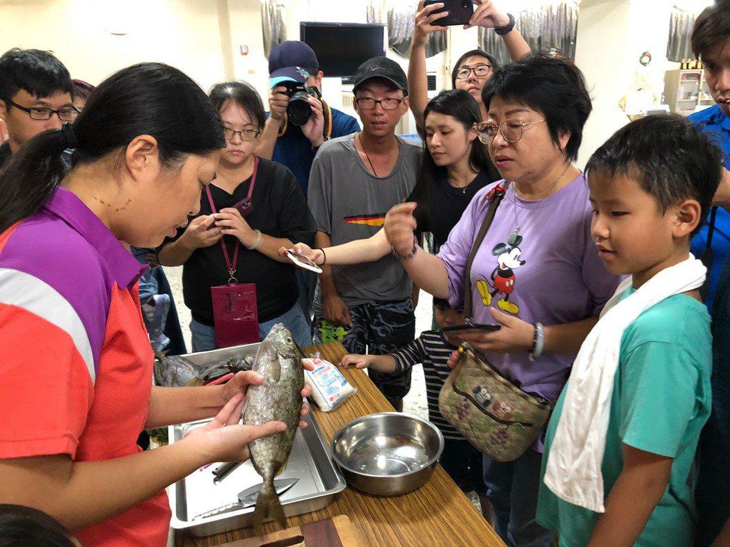 臭肚魚乾製作課程。 圖/年年有鰆提供
