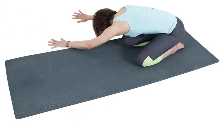 背肌延展局部肌群舒緩操4。 圖/資料夾文化提供