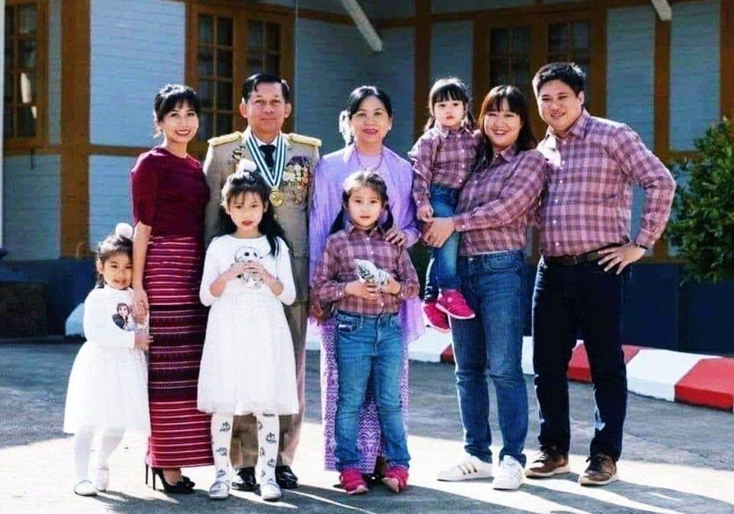 敏昂萊一家三代。美國在3月中旬宣布將制裁敏昂萊的子女以及其旗下6家企業。不僅如此...