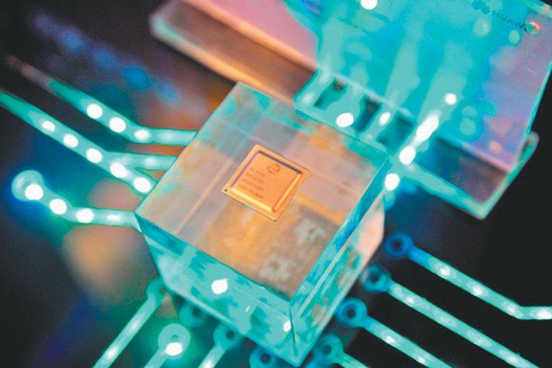 聯發科衝刺高階技術報捷,新一代5G旗艦晶片傳升級到4奈米。(圖非聯發科晶片) 路透