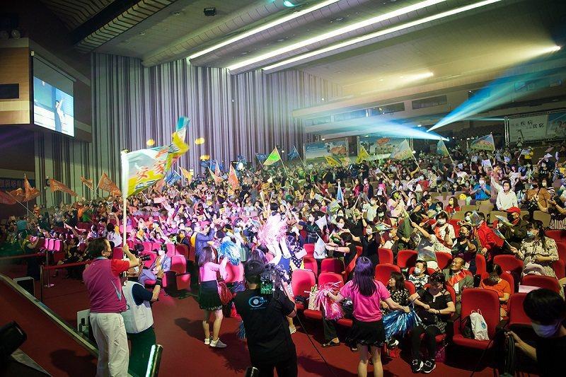 台灣新益美舉辦「第54次分紅大會」創造傳直銷傳奇。 台灣新益美公司/提供