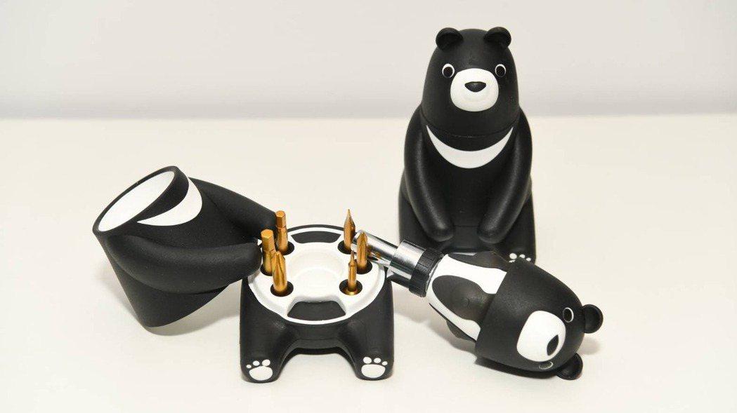 中鋼今(2021)年股東會紀念品為「熊愛台灣棘輪起子工具組」(中鋼/提供)