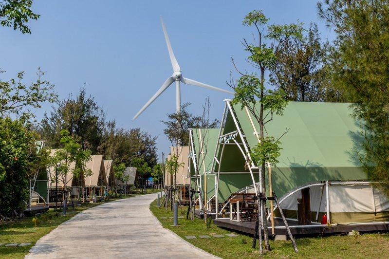 台中豪華露營「向海那漾」園區。圖/向海那漾提供
