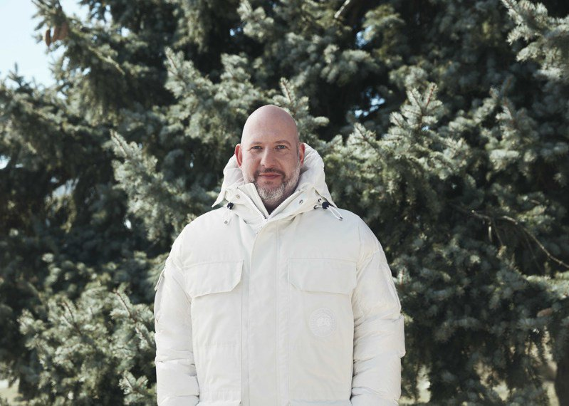 Canada Goose總裁Dani Reiss 穿著最符合永續特性的 The Standard Expedition Parka 標準遠征款派克大衣。圖/Canada Goose提供