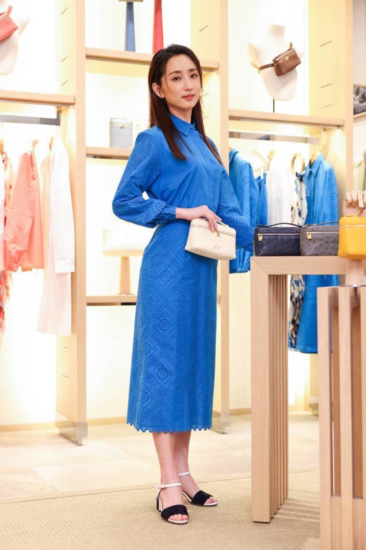 柯佳嬿搶先體驗Loro Piana Extra Pocket系列包款個人化彩繪服...