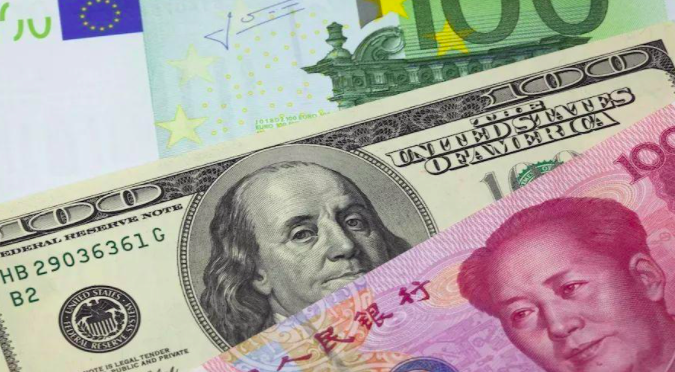 渣打銀行上調美元對人民幣匯價的預測,今年底由6.45元上調至6.58元。百度圖庫