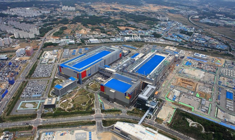 產業人士預測,三星電子最快下月宣布在美國與南韓的晶圓廠擴張計畫。圖為三星的平澤晶片廠(網路照片)