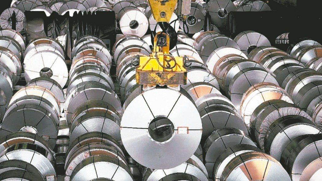 中國大陸五一長假後鋼價漲勢再起,有利於國內鋼鐵龍頭中鋼下周將開的6月盤價。(本報...