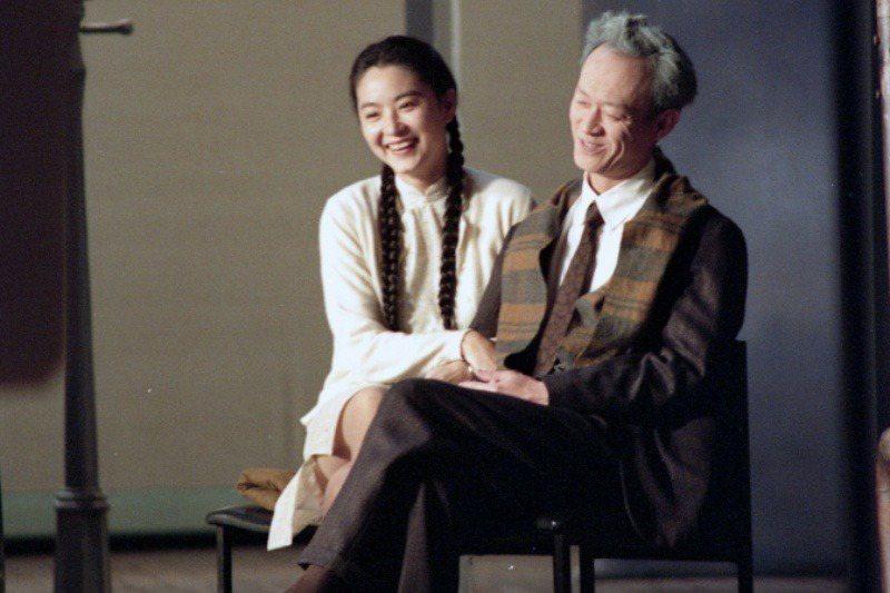 林青霞、金士傑排演《暗戀桃花源》。攝於1992年。 圖/聯合報系資料照