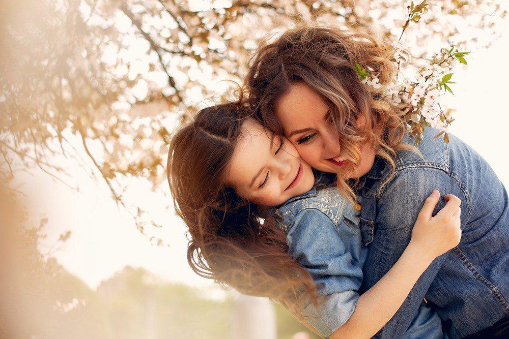 慶祝母親節,募集媽媽最美的身影照片,全能媽媽自己來定義!  圖/freepik
