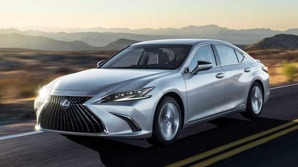 小改款Lexus ES全車系標配了LSS + 2.5。 圖/Lexus提供