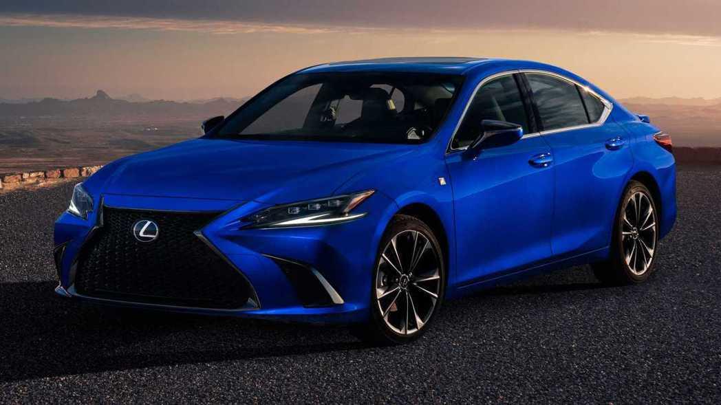 小改款後ES 300h也能擁有F SPORT配置。 圖/Lexus提供
