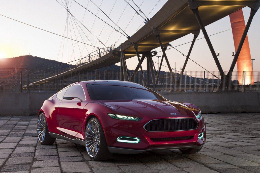 2011年法蘭克福車展上推出的Evos Concept。 圖/Ford提供