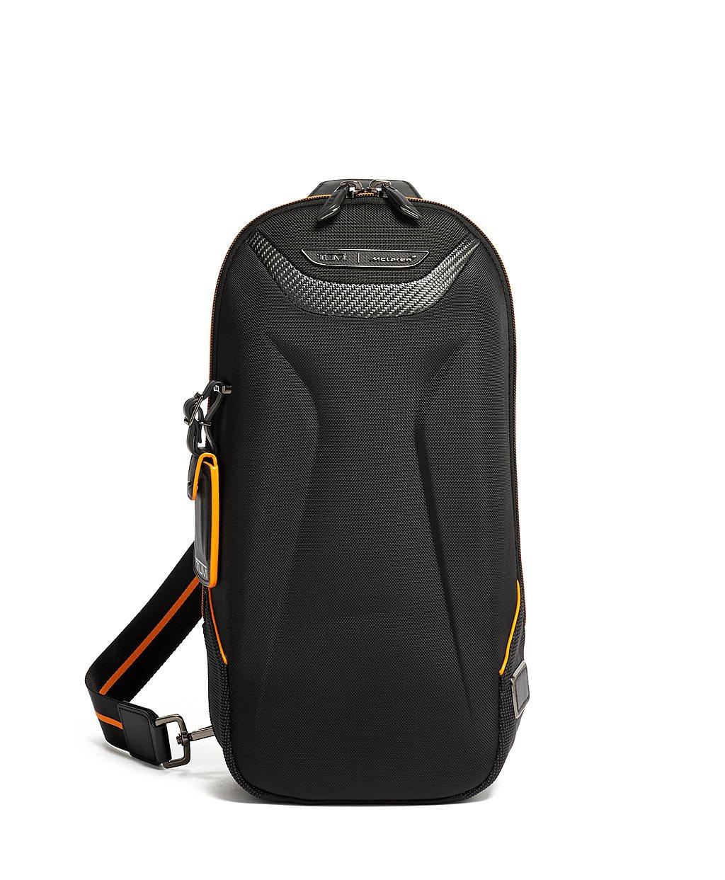 TORQUE單肩包-黑色NT21,800。 圖/TUMI提供