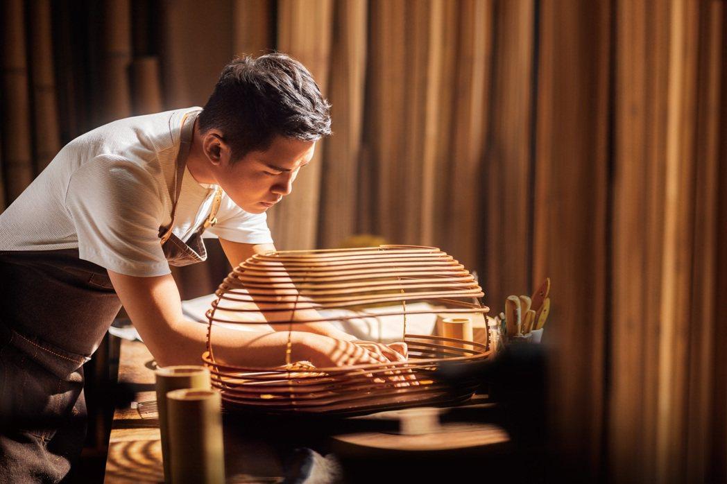 從歐美設計潮流跨入台灣傳統工藝,范承宗深思台灣老物件之美,尋訪傳統工藝並轉譯為作...
