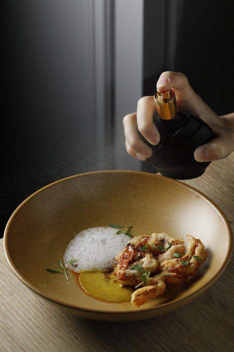 蟹・咖哩・甜薑醋。圖/JE Kitchen提供