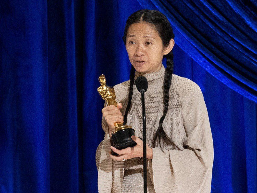 趙婷以電影「游牧人生」奪得奧斯卡最佳導演雨最佳影片。路透