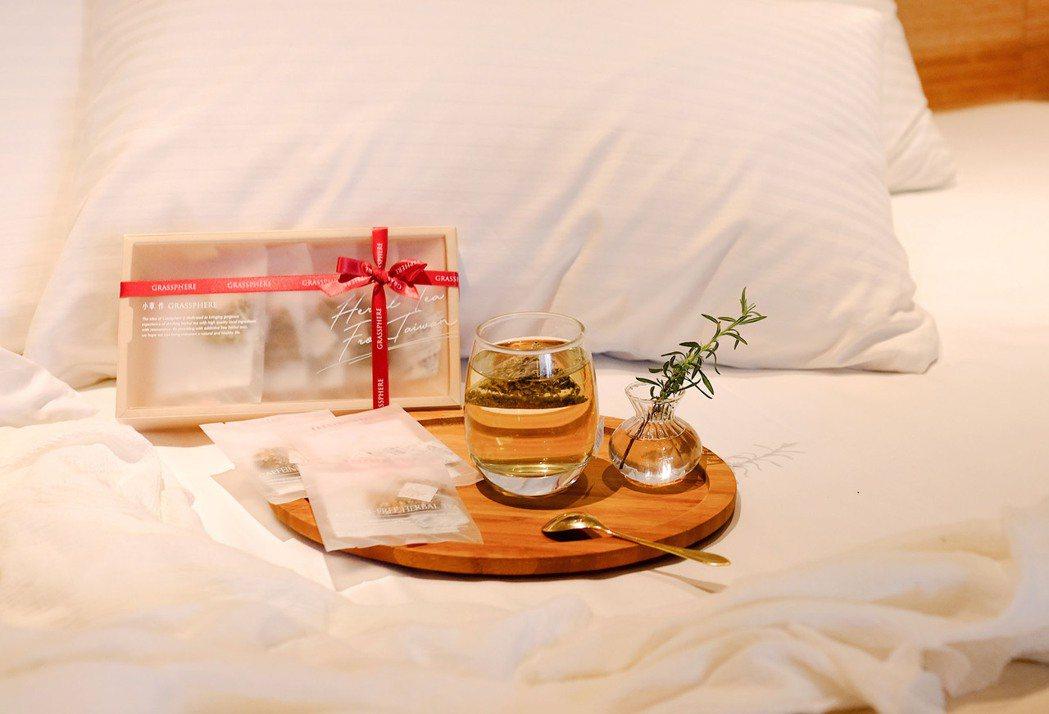 5月1日起入住和逸飯店體驗小草作花果茶飲。小草作/提供