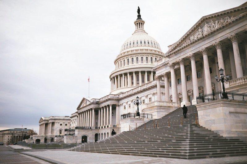 美國國會跨黨派聯邦眾議員19日提出其修訂版「台灣國際團結法案」,反對中國大陸在國際組織透過曲解語言、政策與程序,宣稱「台灣是中國的一部分」。路透