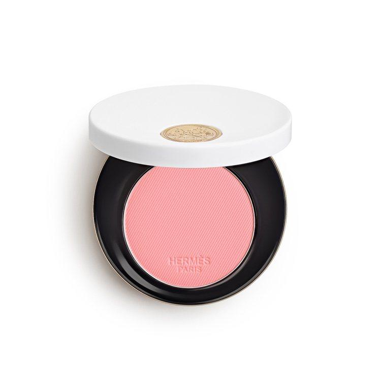 瑰麗粉紅腮紅-#28 Rose Plume,2,450元。圖/愛馬仕提供