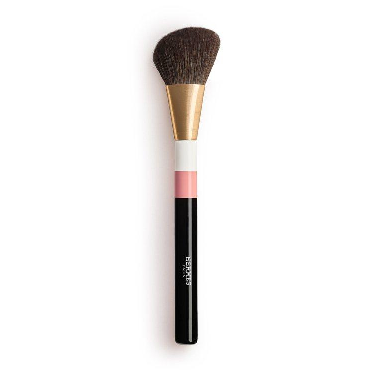 瑰麗粉紅腮紅刷,3,250元。圖/愛馬仕提供