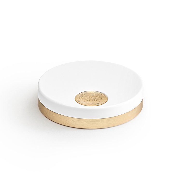 外盒也維持愛馬仕一貫強調的高品質。圖/愛馬仕提供
