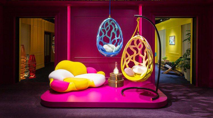 Cocoon漸層橘色、湖綠色皮革椅全球限量各8個,各售319萬元。圖/LV提供