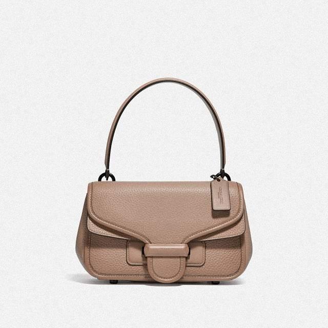 「超級品牌日」4月25日推出COACH CODY單肩手袋原價19,800元,sk...