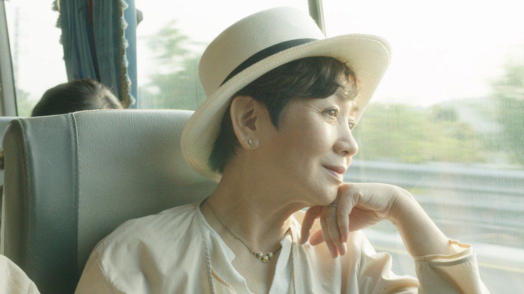 香港影后鮑起靜,日前來台演出「一家之主」貢獻精湛演技。圖/希望行銷提供
