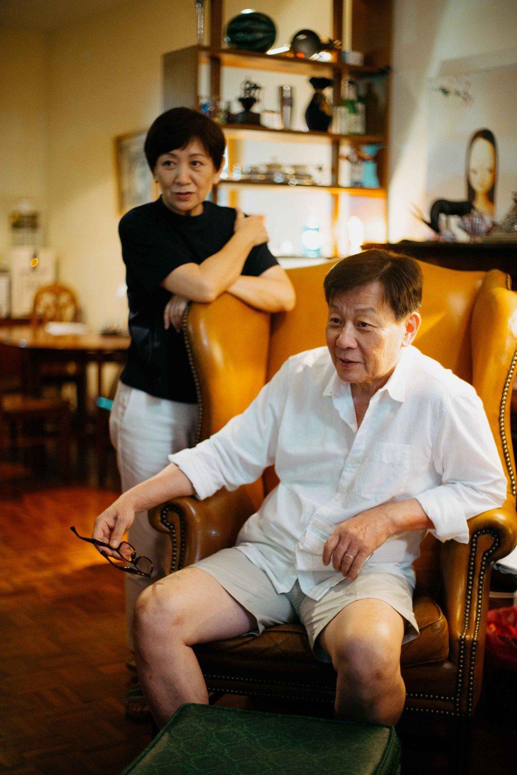 寇世勳(右)、鮑起靜(左)在「一家之主」演出一對平凡夫妻。圖/希望行銷提供