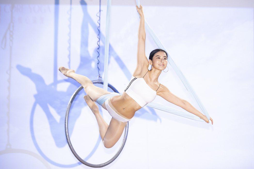 夏米雅表演空中吊環。圖/奇蹟製造提供